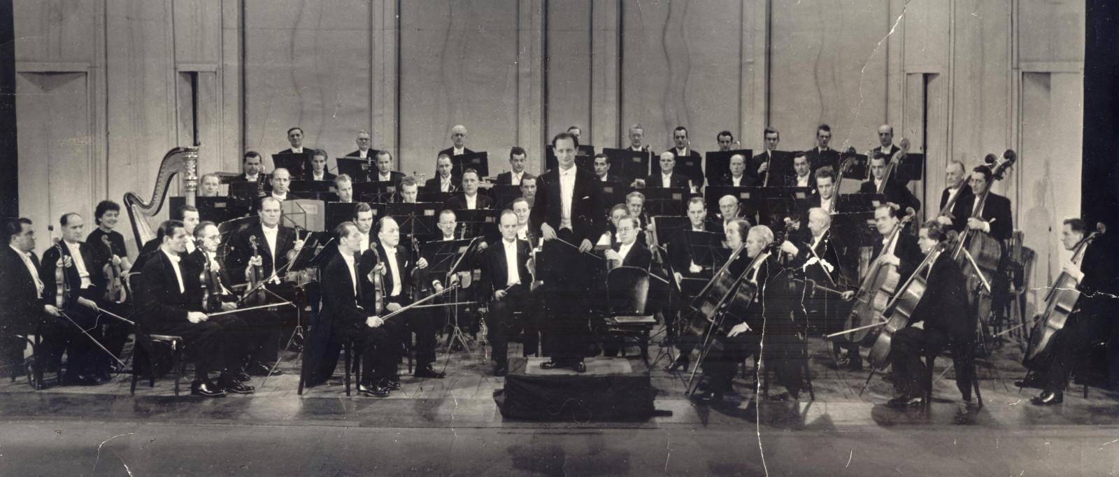 1950 orchestr s Bervíd celý spojený